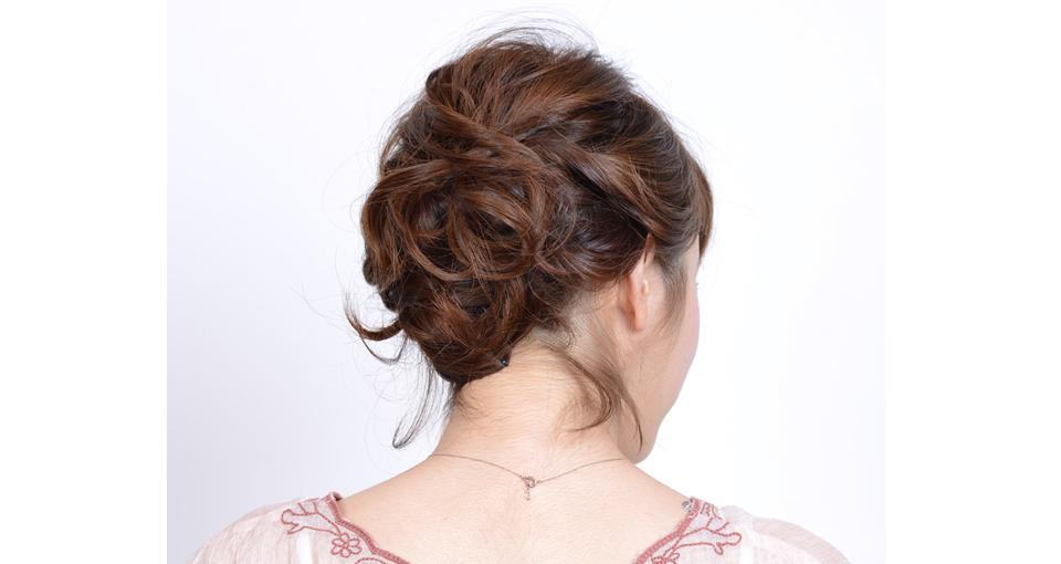ねじり編み込みヘアー